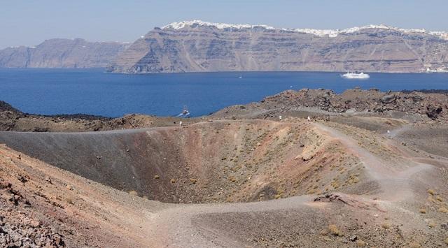 Το ηφαίστειο της Σαντορίνης «βρυχάται»: Το σχέδιο δράσης