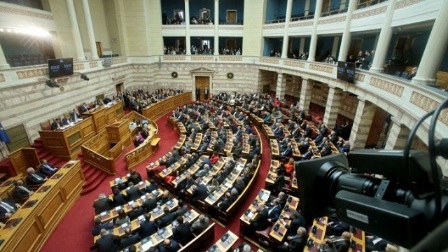 Βουλή: Μάχη αρχηγών για τα Εργασιακά