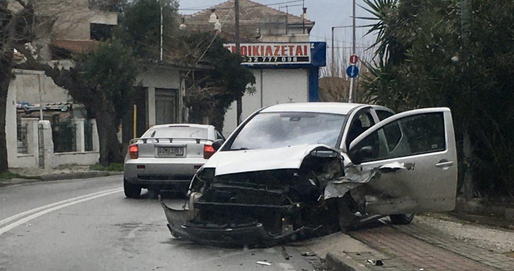 Τροχαίο με τρεις ελαφρά τραυματίες στην Αγριά