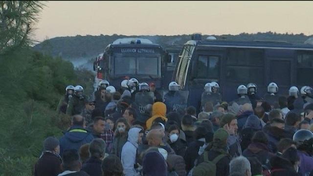 Αποσύρονται οι δυνάμεις των ΜΑΤ από Λέσβο και Χίο