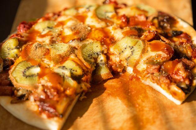 Η Σουηδία λανσάρει πίτσα με ακτινίδιο και κάνει τους Ιταλούς έξαλλους