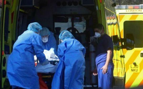 Βρετανία: Εκτιμήσεις σοκ για τη θνητότητα της πανδημίας