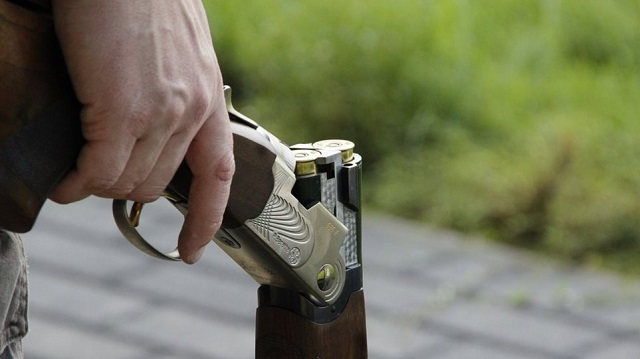 «Θόλωσαν» από την κλεισούρα και το έριξαν σε πυροβολισμούς
