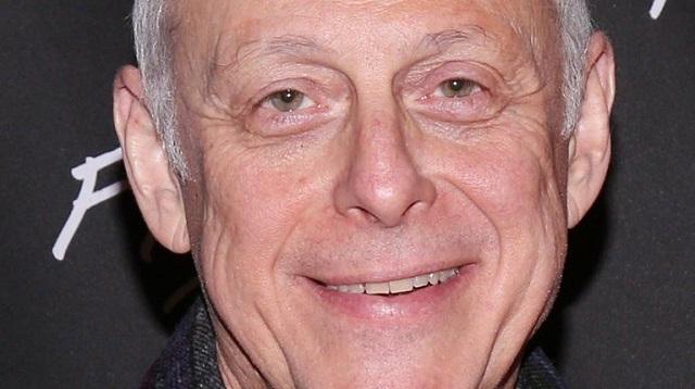"""Νεκρός από κορονοϊό ο ηθοποιός Μαρκ Μπλουμ που έπαιζε τον """"Κροκοδειλάκια"""""""