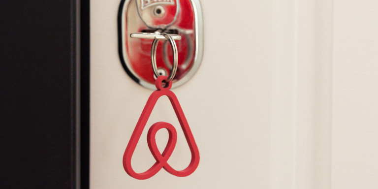Κορονοϊός: Αδειασαν και τα Airbnb- 120 ακίνητα έχουν δοθεί σε γιατρούς και νοσηλευτές