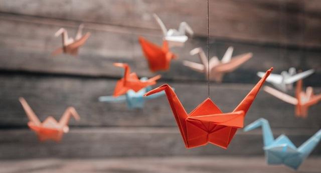 Οριγκάμι: Η ιαπωνική τέχνη που κάνει ευχάριστες τις μέρες στο σπίτι [βίντεο]