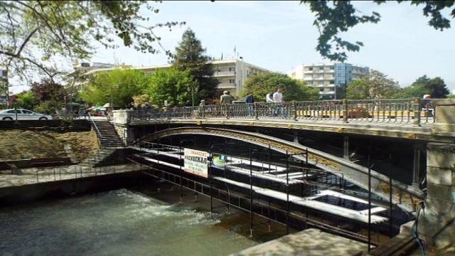 Ερευνες για τον εντοπισμό γυναίκας στον Ληθαίο ποταμό