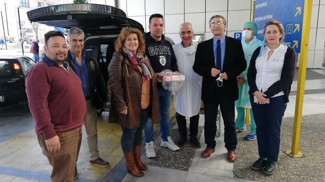 4.000 μάσκες παρέδωσε η ΟΕΒΕΜ στο Νοσοκομείο Βόλου