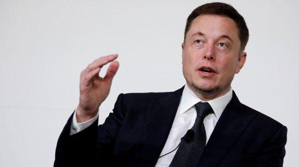 Ο Έλον Μασκ απειλεί να μεταφέρει τις εγκαταστάσεις της Tesla λόγω του lockdown