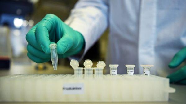 Αισιόδοξα νέα από Τσιόδρα: Δοκιμάζονται 8 εμβόλια για τον κορονοϊό