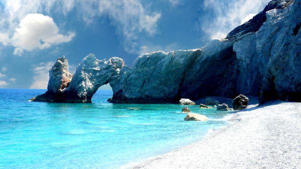 Τα Λαλάρια της Σκιάθου στις 10 καλύτερες παραλίες