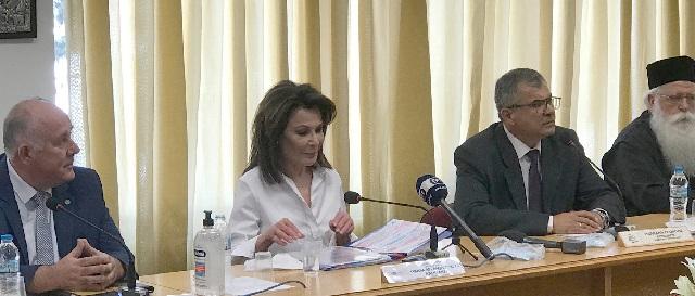 Γιάννα Αγγελοπούλου: Αντί πυροτεχνημάτων, δράσεις – σφραγίδα