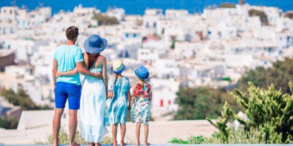 Διακοπές με ασφάλεια: Τι προσέχουμε στο ταξίδι, τι κάνουμε στην παραλία