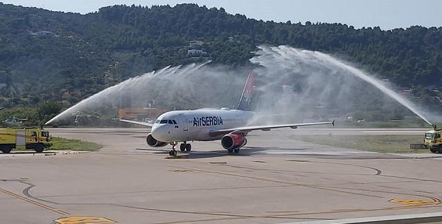 Θεαματική υποδοχή των πρώτων πτήσεων στη Σκιάθο [βίντεο]