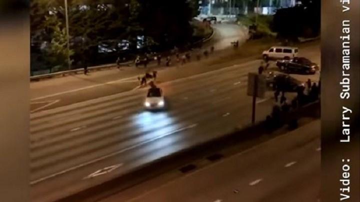 Σιάτλ: Αυτοκίνητο έπεσε σε διαδηλωτές αντιρατσιστικής συγκέντρωσης (σκληρές εικόνες)