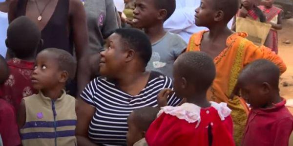 41χρονη από την Ουγκάντα έχει αποκτήσει 44 παιδιά - Και τα μεγαλώνει όλα μόνη της