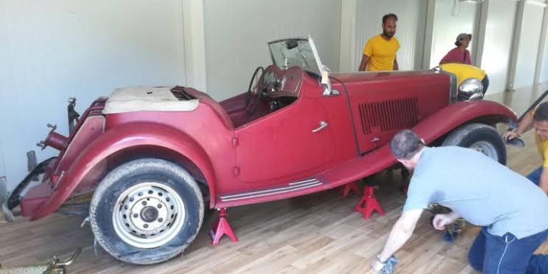 Τατόι: Αρχισε η συντήρηση των θρυλικών βασιλικών οχημάτων -Στο Μαξίμου η μελέτη για το Κτήμα