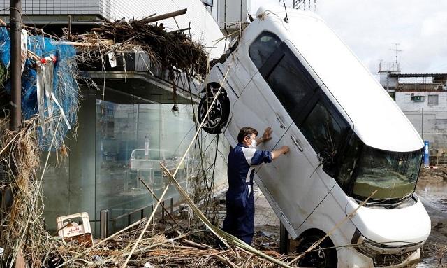 Ιαπωνία: Συνεχίζεται η θεομηνία –Χιλιάδες κάτοικοι αποκλεισμένοι από τις φονικές πλημμύρες