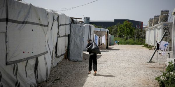 Κέντρο προσφύγων Ριτσώνας: Στον εισαγγελέα σήμερα ο πατέρας που ασελγούσε στην 8χρονη κόρη του