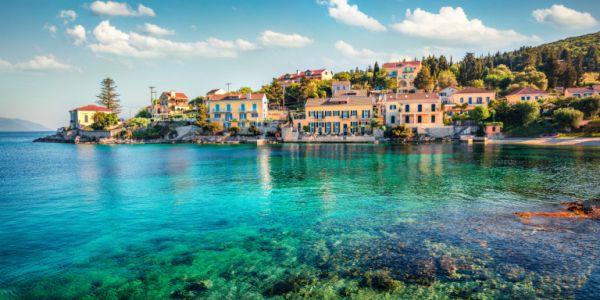 Σύντομες διακοπές εντός συνόρων για του Ιταλούς - Η Ελλάδα κύρια επιλογή για όσους θα πάνε στο εξωτερικό