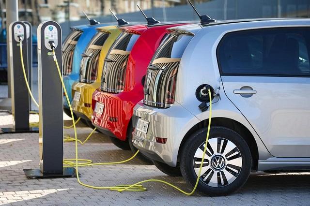 Αύξηση της επιδότησης στα φθηνότερα ηλεκτρικά αυτοκίνητα