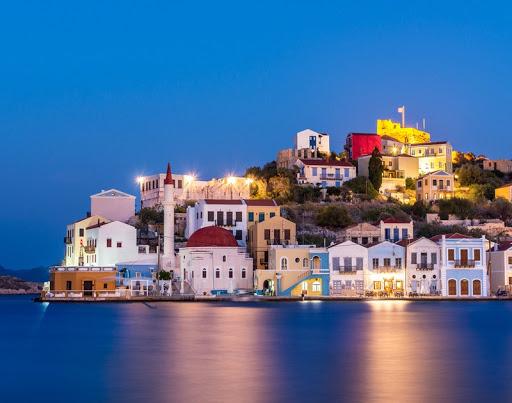 Καστελόριζο: Αδειάζει από τουρίστες το νησί μετά την ένταση στο Αιγαίο