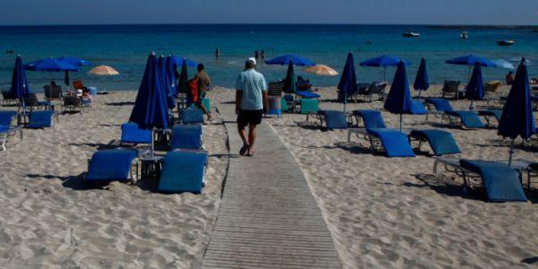 Κορωνοϊός: «Στοίχισε» μέχρι στιγμής 320 δισεκατομμύρια δολάρια στον παγκόσμιο τουρισμό