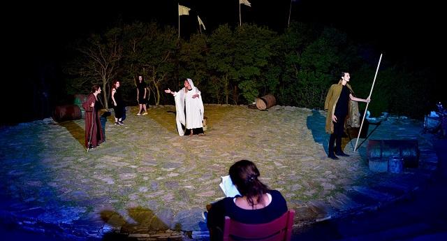 Ποιοτικές βραδιές στο θέατρο Αλώνι στον Αγιο Γεώργιο Νηλείας Πηλίου