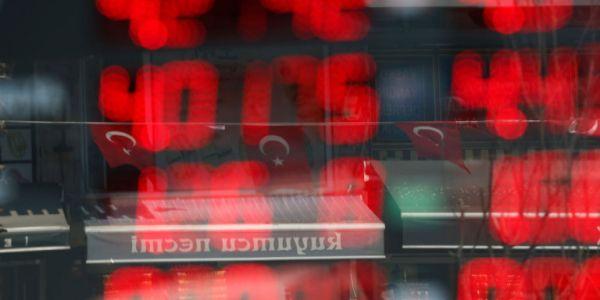 Τουρκία: Σε κινούμενη άμμο η οικονομία της χώρας