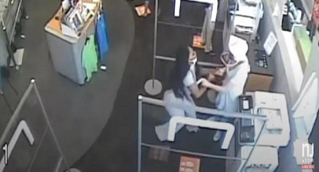 Της ζήτησε να φορέσει μάσκα στο κατάστημα και εκείνη της επιτέθηκε [βίντεο]