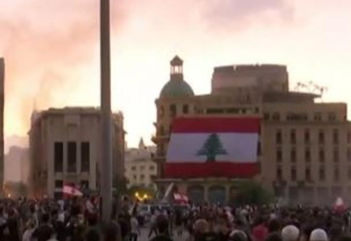 Βηρυτός: 430 οικογένειες αναζητούν τους δικούς τους μετά τη φονική έκρηξη