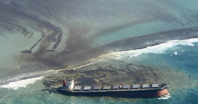 Μαυρίκιος: Οικολογική καταστροφή απειλεί έναν εκ των διασημότερων τουριστικών προορισμών παγκοσμίως