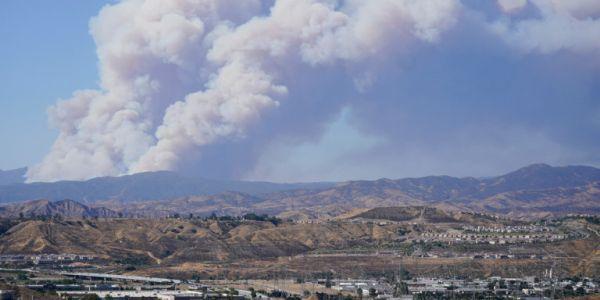 ΗΠΑ: Εκκενώνονται σπίτια στην Καλιφόρνια λόγω μεγάλης φωτιάς