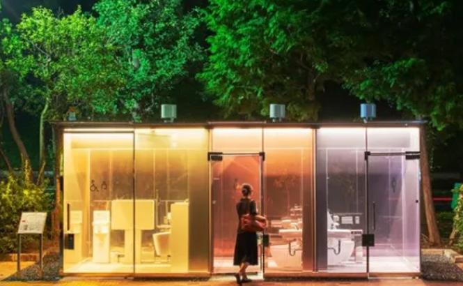 Από γυαλί: Οι νέες δημόσιες τουαλέτες στα πάρκα του Τόκιο είναι διαφανείς
