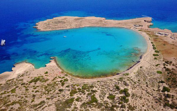 Πορί: Η παραλία στα Κουφονήσια που την αποκαλούν και «παράδεισο»