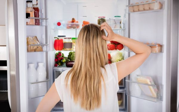 Το κόλπο με το σφουγγάρι στο ψυγείο για να παραμείνουν φρέσκα λαχανικά και φρούτα