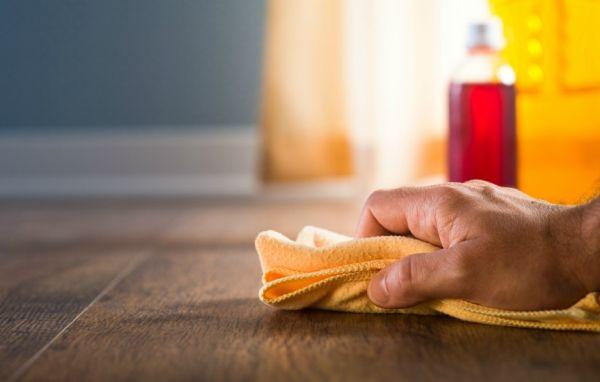 Τα πιο συχνά λάθη στο καθάρισμα που κάνουν το σπίτι να μοιάζει… βρώμικο