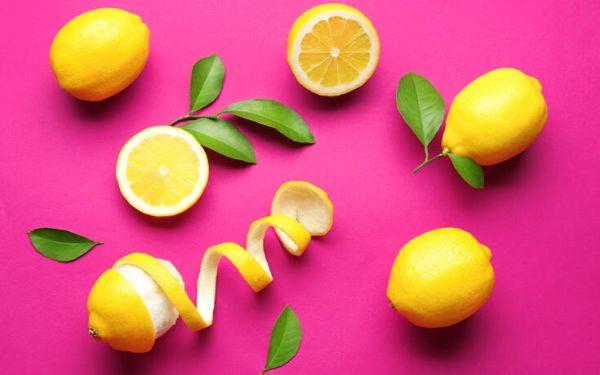 Τέσσερις απίστευτες χρήσεις για τις φλούδες λεμονιού