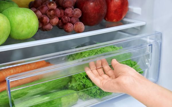Δύο τρόποι για να παραμένουν τα λαχανικά στο ψυγείο φρέσκα για περισσότερο καιρό
