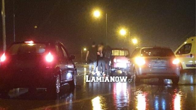 Λαμία: Τσακώθηκαν στον δρόμο εν μέσω κατακλυσμού (φωτο)