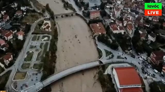 Συγκλονιστικές εικόνες & βίντεο: Οι καταστροφές στο Μουζάκι Καρδίτσας από ψηλά
