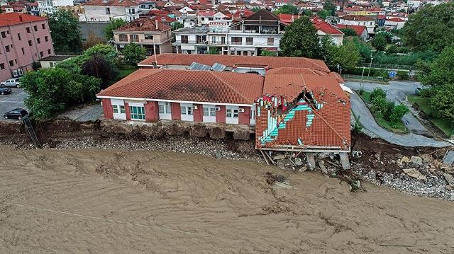 Εγκλωβισμένοι οι 40 κάτοικοι χωριού της Καρδίτσας