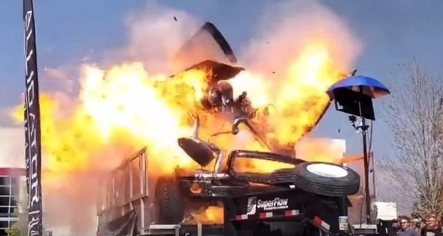 Απίστευτη έκρηξη αυτοκινήτου κατά τη διάρκεια δυναμομέτρησης (video)