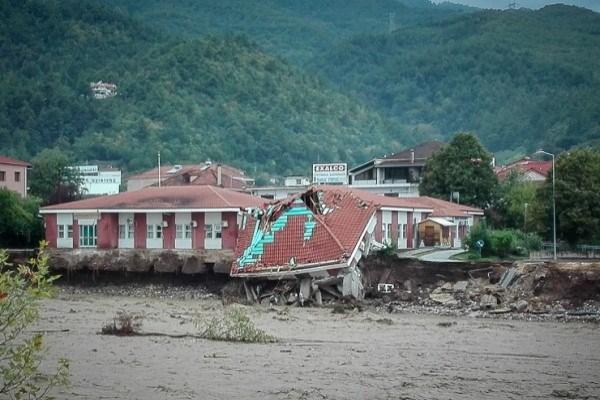 Έκκληση του Δήμου Μουζακίου για τρόφιμα και φάρμακα