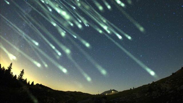 Κορυφώνεται η φθινοπωρινή βροχή των διαττόντων αστέρων