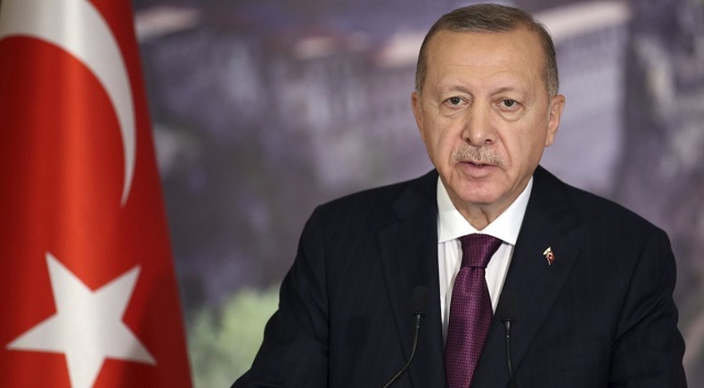 Τουρκία: Ερντογάν σε πολίτη που του είπε δεν έχουμε ψωμί: «Πιες τσάι της χαράς»