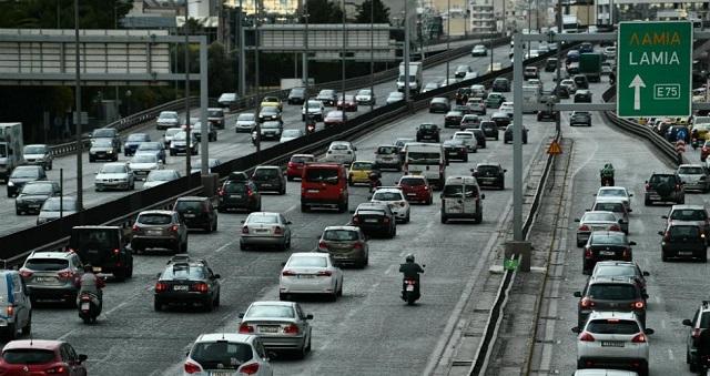 Παρατείνεται η ισχύς των διπλωμάτων οδήγησης λόγω lockdown