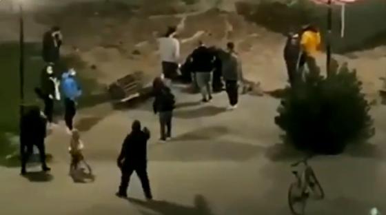 Καρδίτσα : Αστυνομικοί επιτίθενται σε ζευγάρι εφήβων στην πλατεία