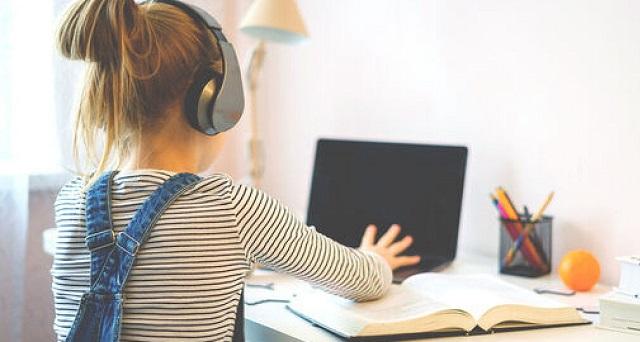 Φορητούς υπολογιστές σε μαθητές οικονομικά αδύναμων οικογενειών θα μοιράσει ο Δήμος Βόλου