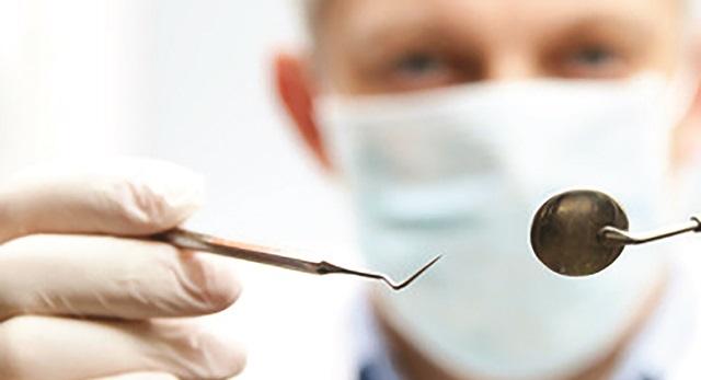 Έκτακτη οικονομική ενίσχυση για γιατρούς και οδοντιάτρους